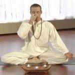 Pranayama: 3 ejercicios de respiración de yoga para principiantes