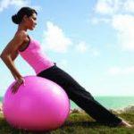Ejercicios de yoga para las piernas con bolas